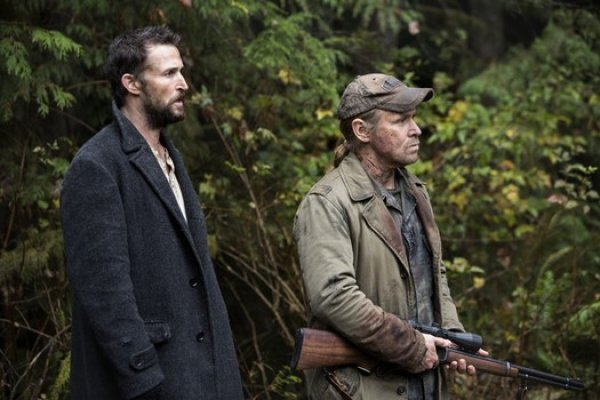 Titulky k Falling Skies S04E05 - Mind Wars