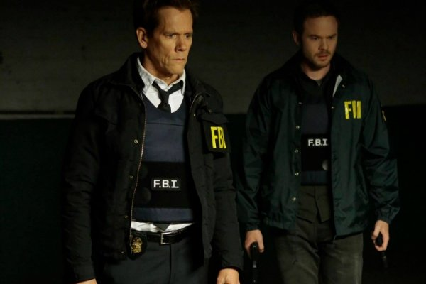 Titulky k The Following S03E02 - Boxed In