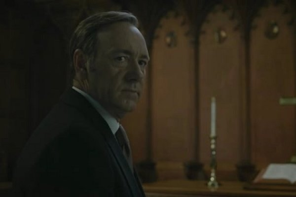 Titulky k House of Cards S01E13 - Chapter 13
