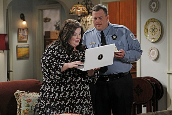 Titulky k Mike and Molly S03E03 - Mike Likes Cake