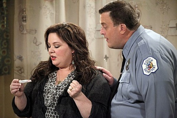 Titulky k Mike and Molly S03E07 - Mike Likes Briefs