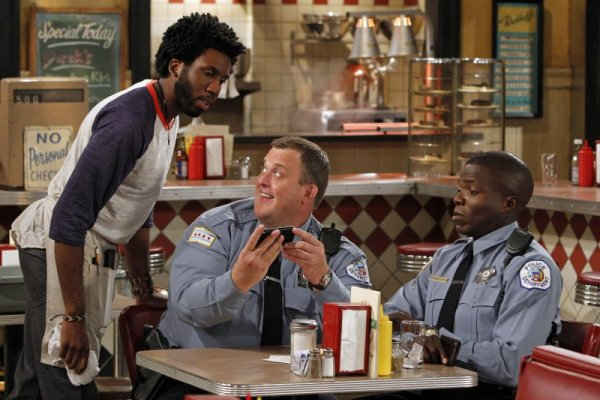 Titulky k Mike and Molly S03E09 - Mike Takes a Test