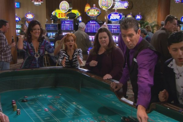 Titulky k Mike and Molly S04E16 - The Dice Lady Cometh