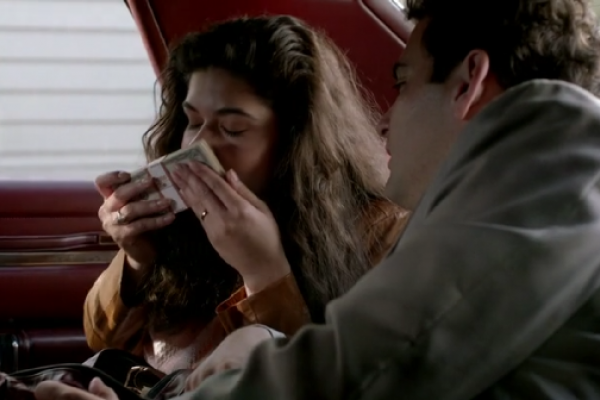 Titulky k Orange Is the New Black S02E08 - Appropriately Sized Pots