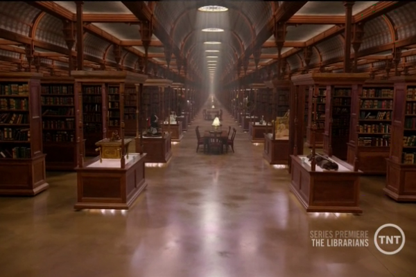 Titulky k The Librarians S01E01 - And the Crown of King Arthur
