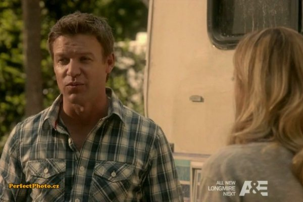 Titulky k The Glades S04E07 - Gypsies, Tramps and Thieves