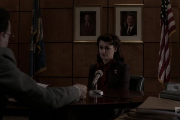 Titulky k The Americans S03E08 - Divestment