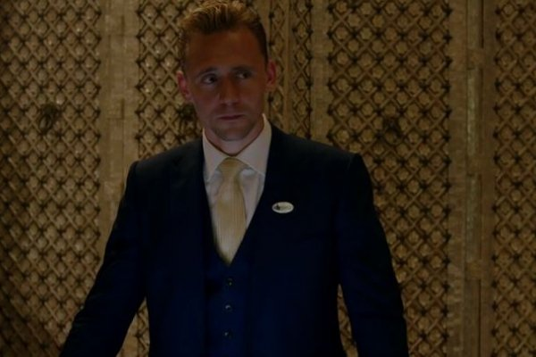 Titulky k The Night Manager S01E01 - Episode #1.1