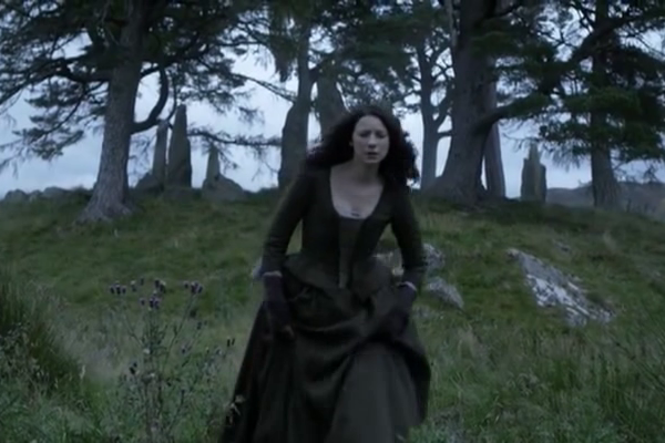 Titulky k Outlander S02E01 - Through a Glass, Darkly