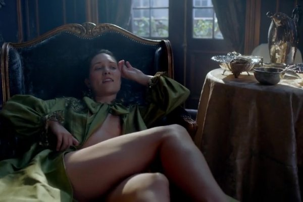 Titulky k Outlander S02E02 - Not In Scotland Anymore