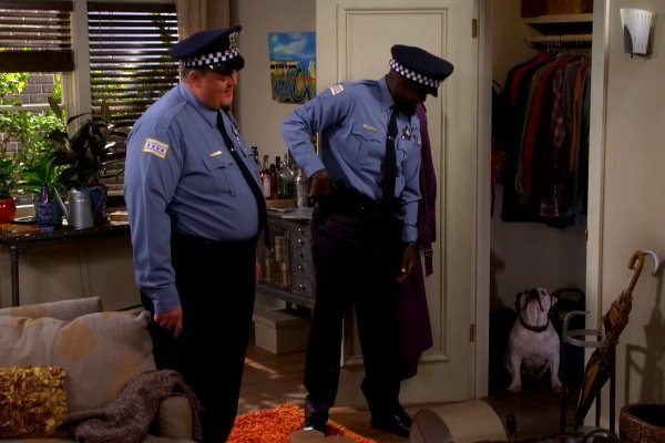 Titulky k Mike and Molly S06E07 - Weekend with Birdie