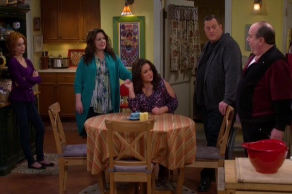 Titulky k Mike and Molly S06E10 - Baby Bump