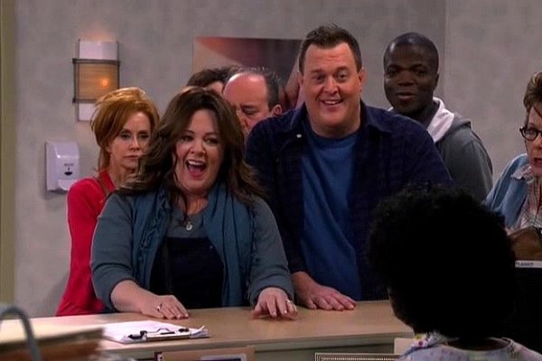 Titulky k Mike and Molly S06E13 - I See Love