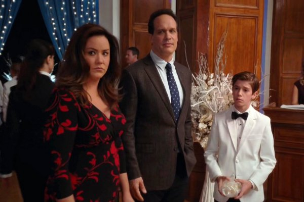 Titulky k American Housewife S01E08 - Westport Cotillion