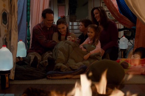 Titulky k American Housewife S01E11 - The Snowstorm