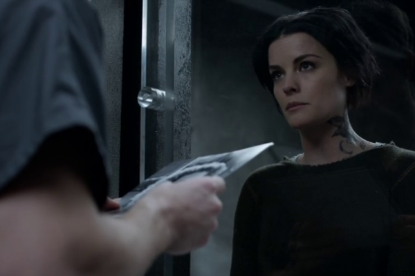 Titulky k Blindspot S02E13 - Name Not One Man