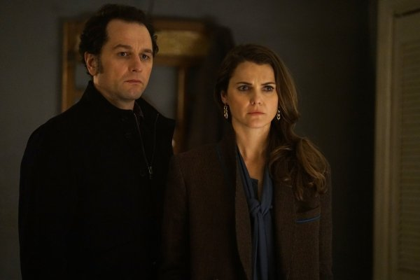 Titulky k The Americans S05E06 - Crossbreed