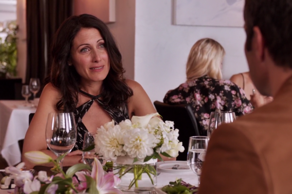 Titulky k Girlfriends' Guide to Divorce S01E09 - Rule #32: F-you, Rob Frumpkis!