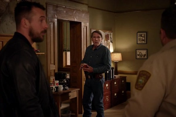 Titulky k Longmire S06E07 - Opiates and Antibiotics