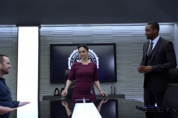 Titulky k Blindspot S03E13 - Warning Shot