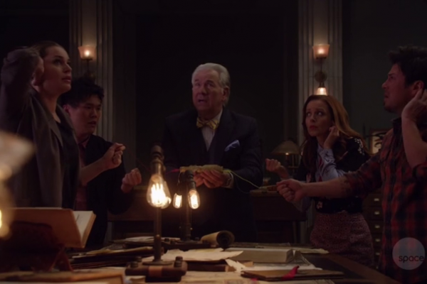 Titulky k The Librarians S04E11 - And the Trial of the One
