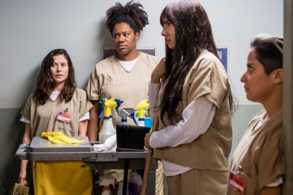 Titulky k Orange Is the New Black S06E03 - Look Out for Number One