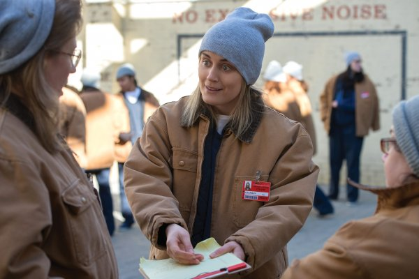 Titulky k Orange Is the New Black S06E09 - Break the String
