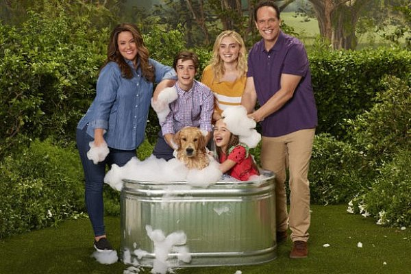 Titulky k American Housewife S03E01 - Mom Guilt