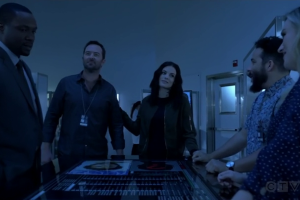Titulky k Blindspot S04E02 - My Art Project