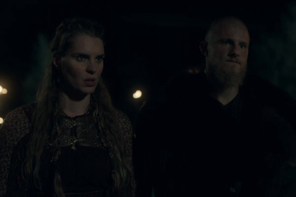 Titulky k Vikings S05E16 - The Buddha