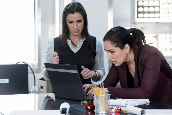 Titulky k Blindspot S04E20 - Coder to Killer