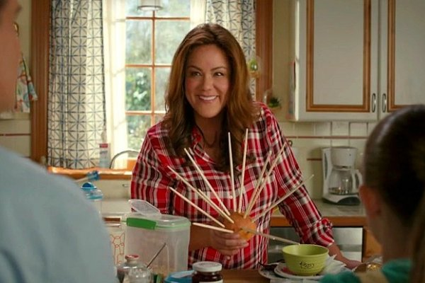 Titulky k American Housewife S04E03 - Bigger Kids, Bigger Problems