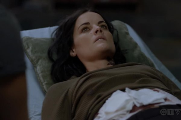 Titulky k Blindspot S05E05 - Head Games